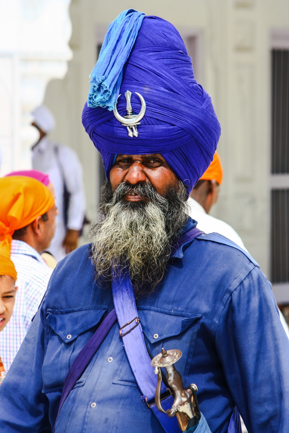 Mustaches, Beards, Turbans and Golden Magic – Sayonara Pushek